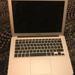 Macbook air 13  year 2012